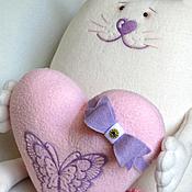 Куклы и игрушки ручной работы. Ярмарка Мастеров - ручная работа Влюбленный котик. Игрушка подушка. Handmade.