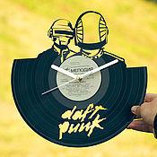 """Часы из виниловых пластинок ручной работы. Ярмарка Мастеров - ручная работа Часы из пластинки """"Daft Punk"""". Handmade."""