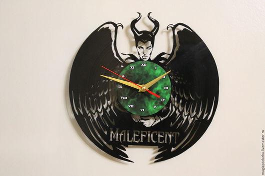 """Часы для дома ручной работы. Ярмарка Мастеров - ручная работа. Купить Часы из виниловой пластинки """"Малефисента"""". Handmade. Черный"""
