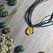 Подвеска ручной работы. Ярмарка Мастеров - ручная работа Кулон с сухоцветами. Handmade.