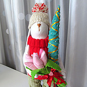 Куклы и игрушки ручной работы. Ярмарка Мастеров - ручная работа Заяц с тюльпанами и елкой. Handmade.