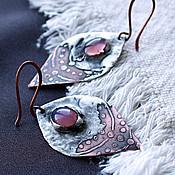 Украшения ручной работы. Ярмарка Мастеров - ручная работа Серьги медные с оловом и стеклом-розовые. Handmade.