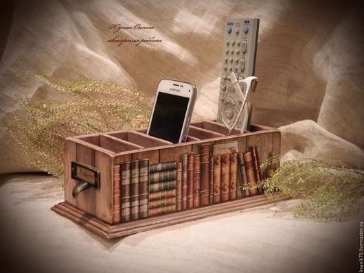 Подставка для пультов и мобильные `Библиотека  путешественника`. Ручная работа.Автор Юдина Оксана.  Для дома и интерьера.