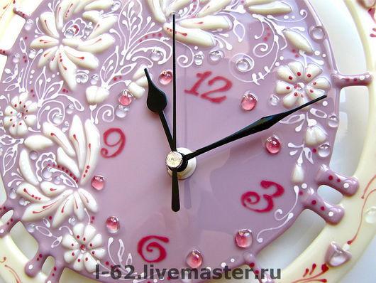 Часы для дома ручной работы. Ярмарка Мастеров - ручная работа. Купить часы из стекла, фьюзинг  Белые цветы. Handmade.