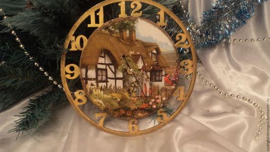 """Часы для дома ручной работы. Ярмарка Мастеров - ручная работа. Купить Часы настенные """"Домик в деревне"""". Handmade. Бежевый"""
