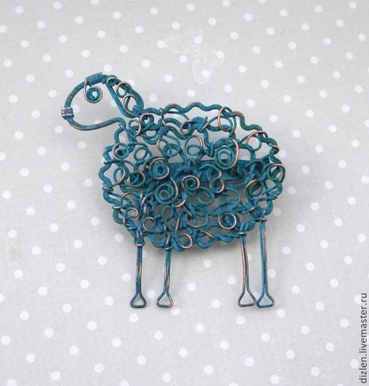 Брошь из меди ручной работы овечка овца овен овечки смешная оригинальный брошка купить wirewrap медный