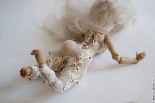 """Одежда для кукол ручной работы. Ярмарка Мастеров - ручная работа. Купить Одежда для кукол """"Мартовская Изморозь"""". Handmade. Бежевый, фатин"""