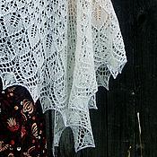 """Аксессуары ручной работы. Ярмарка Мастеров - ручная работа Шаль """"Эволюция листьев"""" ажурная. Handmade."""