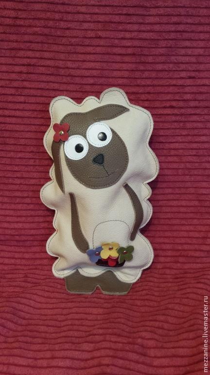 Игрушки животные, ручной работы. Ярмарка Мастеров - ручная работа. Купить Овечка с цветочками - Игрушка из натуральной кожи. Handmade.