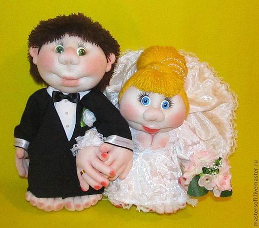 """Человечки ручной работы. Ярмарка Мастеров - ручная работа. Купить Свадебные куклы попик """"куклы на удачу"""". Скульптурный текстиль. Handmade."""