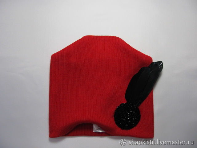 Woolen knitted beanie color red,decoration natural feathers, glass beads color: black