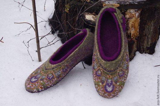 """Обувь ручной работы. Ярмарка Мастеров - ручная работа. Купить Тапочки женские """"Восточные мотивы"""". Handmade. Оливковый, тапочки из войлока"""