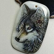 Украшения handmade. Livemaster - original item Wolf-pendant painted on milk agate-totem-amulet-amulet. Handmade.