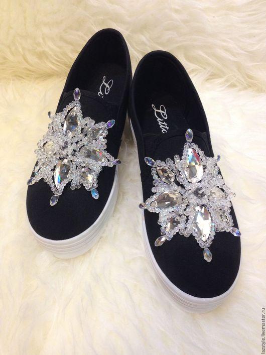 Обувь ручной работы. Ярмарка Мастеров - ручная работа. Купить Эксклюзивные слипоны С-2. Handmade. Черный, слипоны в камнях