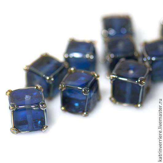 """Для украшений ручной работы. Ярмарка Мастеров - ручная работа. Купить Бусины-кубики """"Синие"""". Handmade. Синий, lampwork (лэмпворк)"""