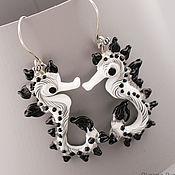 Черно-белые серьги, длинные серьги из стекла подарок от души  Лэмпворк
