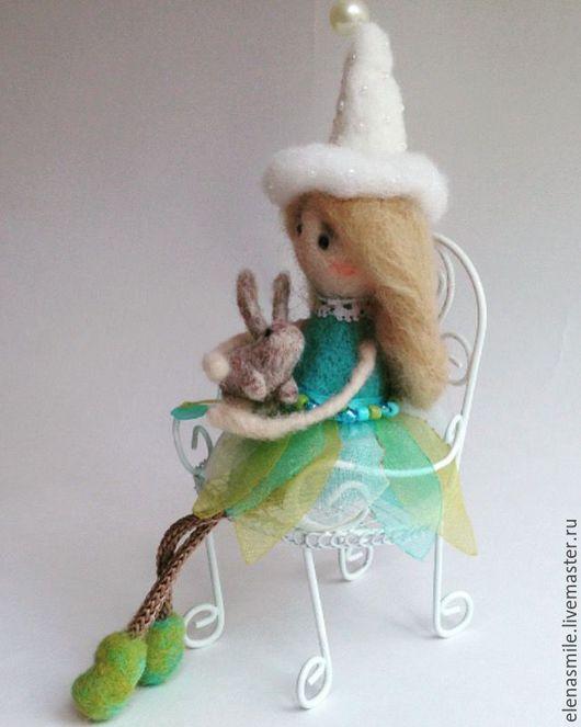 Коллекционные куклы ручной работы. Ярмарка Мастеров - ручная работа. Купить Девочка с зайкой. Handmade. Валяние из шерсти