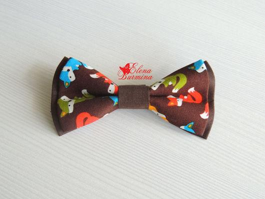 Галстуки, бабочки ручной работы. Ярмарка Мастеров - ручная работа. Купить Бабочка галстук с лисами, хлопок. Handmade. Коричневый, орнамент