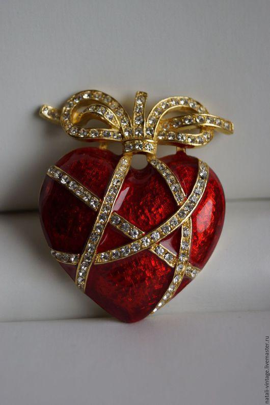 """Винтажные украшения. Ярмарка Мастеров - ручная работа. Купить Винтажная брошь """"Chains Of Love"""". Handmade. Ярко-красный"""