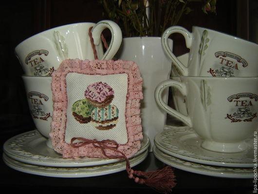 """Шитье ручной работы. Ярмарка Мастеров - ручная работа. Купить игольница-саше """"Пироженки-такие любимые"""". Handmade. Розовый"""