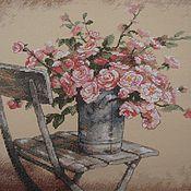 """Картины и панно ручной работы. Ярмарка Мастеров - ручная работа Вышитая картина """"Розы на белом стуле"""". Handmade."""