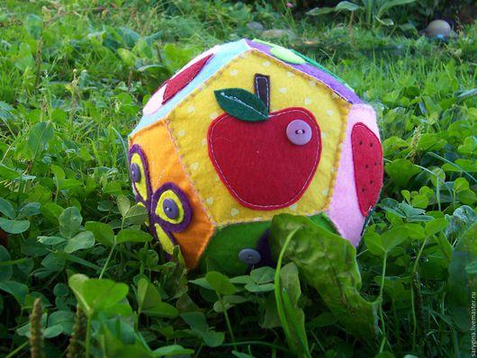 """Развивающие игрушки ручной работы. Ярмарка Мастеров - ручная работа. Купить Развивающий мячик из фетра """"Малыш"""". Handmade. Комбинированный"""