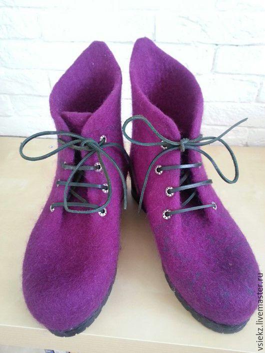Обувь ручной работы. Ярмарка Мастеров - ручная работа. Купить Ботинки зимние. Handmade. Фуксия, дизайнерская обувь