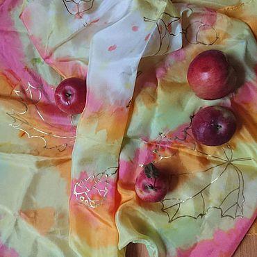 """Аксессуары ручной работы. Ярмарка Мастеров - ручная работа Шёлковый платок """"Осенние листья"""". Handmade."""