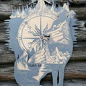 """Часы классические ручной работы. Ярмарка Мастеров - ручная работа Настенные часы """"Волчий путь"""". Handmade."""