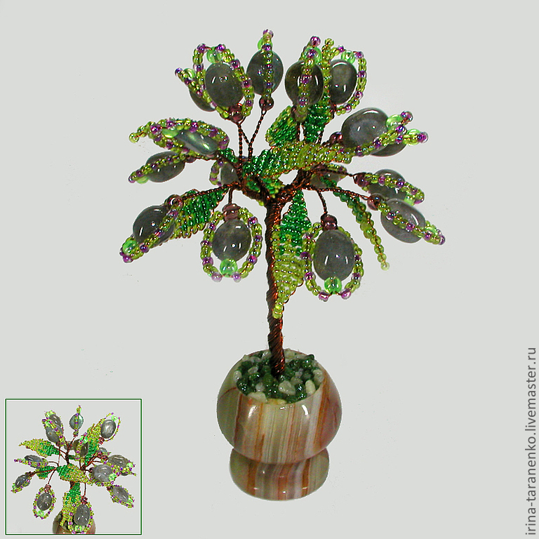 Miniature tree of happiness from a Labrador in a vase of onyx