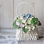 Цветы и флористика ручной работы. Ярмарка Мастеров - ручная работа корзина с гортензией. Handmade.