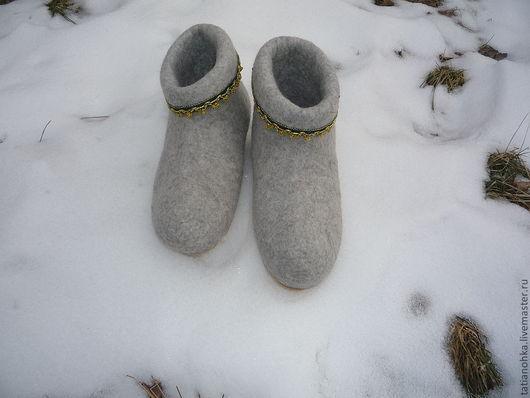 Комфортные тапочки  тёплые тапочки лечебная обувь   валяные тапочки домашние тапочки-валенки  самовалки ярмарка мастеров  Соловьёва Татьяна