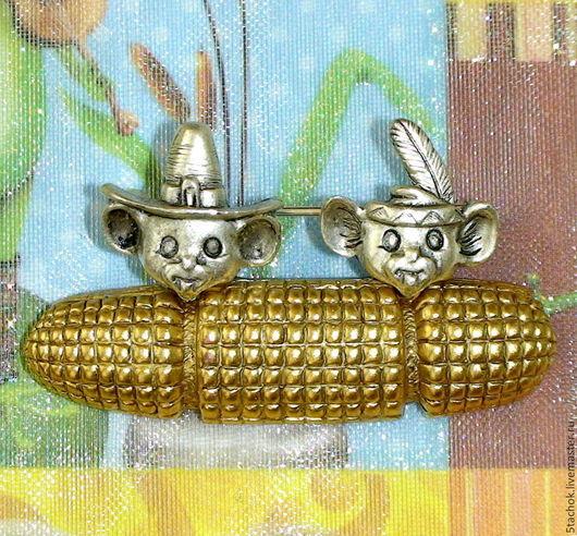 """Винтажные украшения. Ярмарка Мастеров - ручная работа. Купить Брошь """"Мышата и кукурузка"""" под серебро/золото ( Danecraft США). Handmade."""