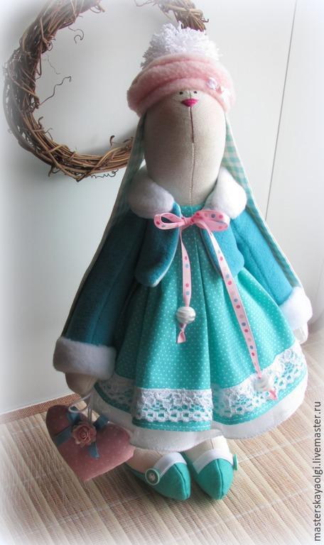 Куклы Тильды ручной работы. Ярмарка Мастеров - ручная работа. Купить Новогодняя зайка с сердечком. Handmade. Зайка, кукла текстильная