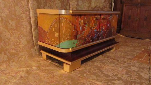 Комод антикварный, роспись по мотивам Климта .Мебель антикварная.