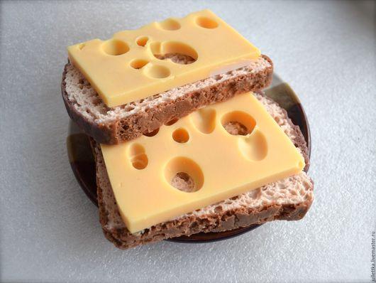 """Мыло ручной работы. Ярмарка Мастеров - ручная работа. Купить Мыло """"Бутерброд с сыром Маасдам"""". Мыльный хлеб!. Handmade. прикол"""