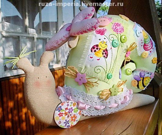 Куклы Тильды ручной работы. Ярмарка Мастеров - ручная работа. Купить Тильда Улитка (большая) На цветочной полянке. Handmade.