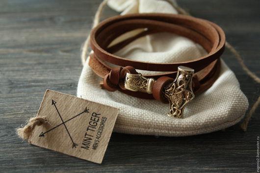 Браслеты ручной работы. Ярмарка Мастеров - ручная работа. Купить Кожаный браслет с молотом Тора. Handmade. Рыжий, мужской
