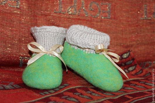 Обувь ручной работы. Ярмарка Мастеров - ручная работа. Купить Детские пинетки. Handmade. Разноцветный, валяние из шерсти, детская обувь