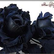 Украшения ручной работы. Ярмарка Мастеров - ручная работа Украшение из кожи Букетик синих роз. Handmade.