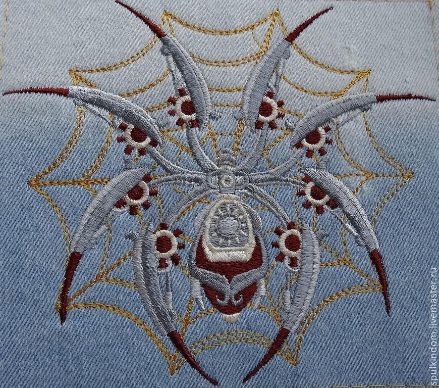 Вышивка паук и паутина