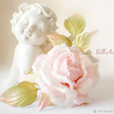 Цветы и флористика ручной работы. Ярмарка Мастеров - ручная работа Роза из шелка нежного кремового цвета. Двойное крепление брошь-заколка. Handmade.