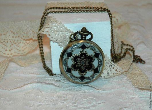 """Часы ручной работы. Ярмарка Мастеров - ручная работа. Купить Часы карманные """"Большой цветок"""". Handmade. Чёрно-белый"""