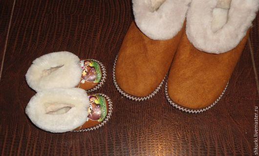 Обувь ручной работы. Ярмарка Мастеров - ручная работа. Купить Чуни из натуральной овчины для всей семьи!. Handmade. Чуни