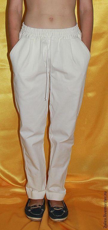 Брюки, шорты ручной работы. Ярмарка Мастеров - ручная работа. Купить брюки джинсовые женские. Handmade. Белый, джинс, распродажа