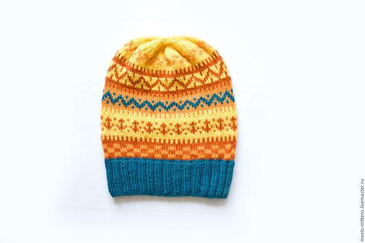 Шапки ручной работы. Ярмарка Мастеров - ручная работа. Купить Вязаная женская шапка с жаккардовым узором. Handmade. Орнамент