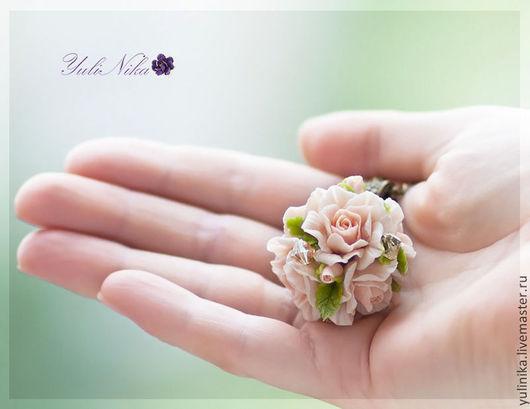 """Кулоны, подвески ручной работы. Ярмарка Мастеров - ручная работа. Купить Кулон """"Розы"""". Handmade. Розы, кулон с цветами"""