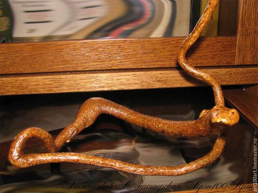 """Статуэтки ручной работы. Ярмарка Мастеров - ручная работа. Купить """"Коричневая змея"""", композиция из дерева. Handmade. Коричневый, подарок"""
