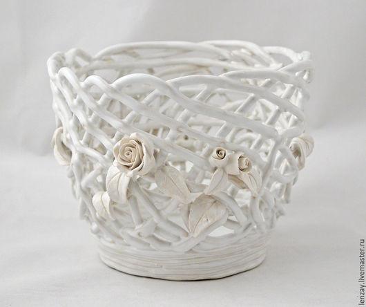 Кашпо `Ренессанс`. Плетеная керамика и керамические цветы Елены Зайченко