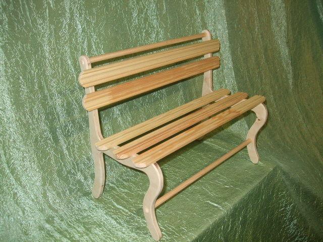 Скамейка для куклы своими руками